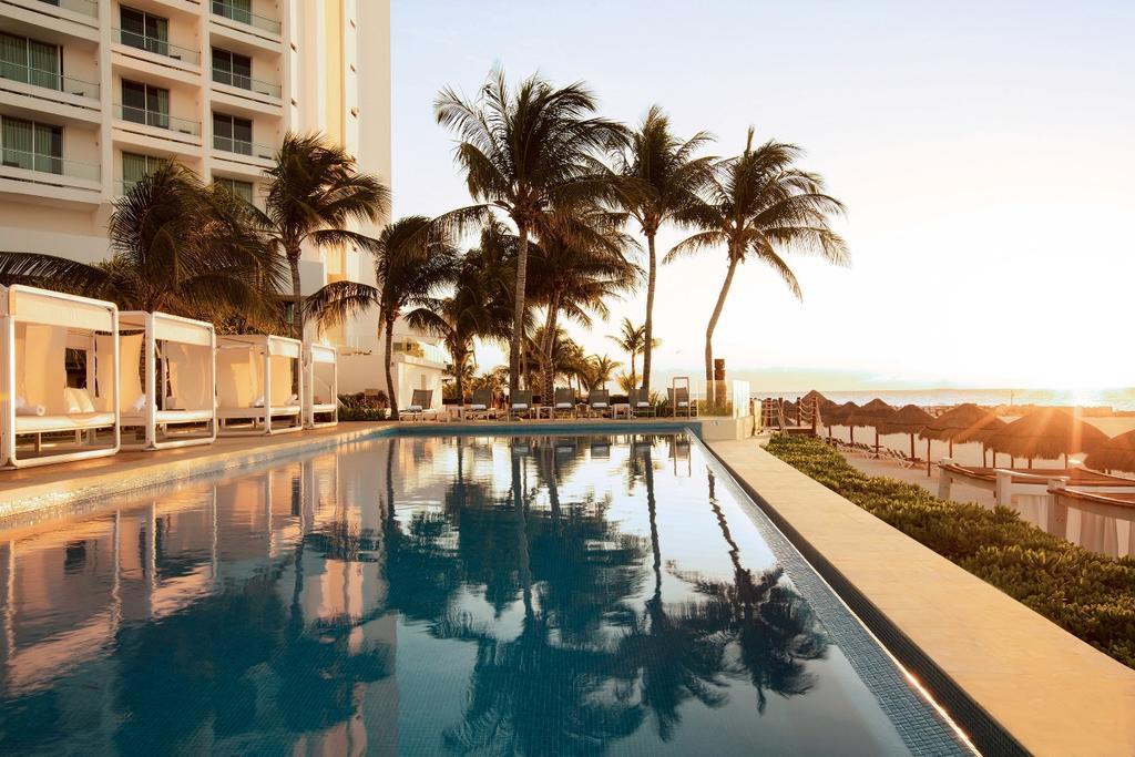 Reflect Krystal Grand Cancun